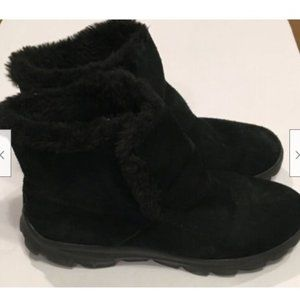 Skechers Goga Mat On The Go Black Suede Boots